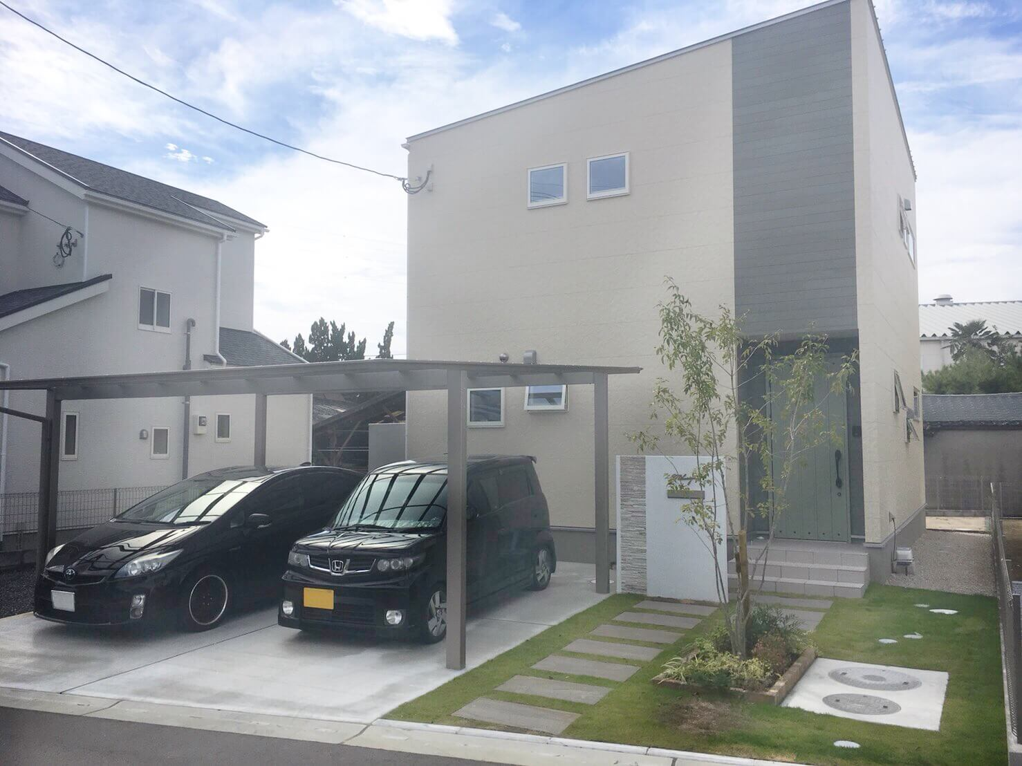 広々リビングで快適に過ごす、お気に入りデザインの家